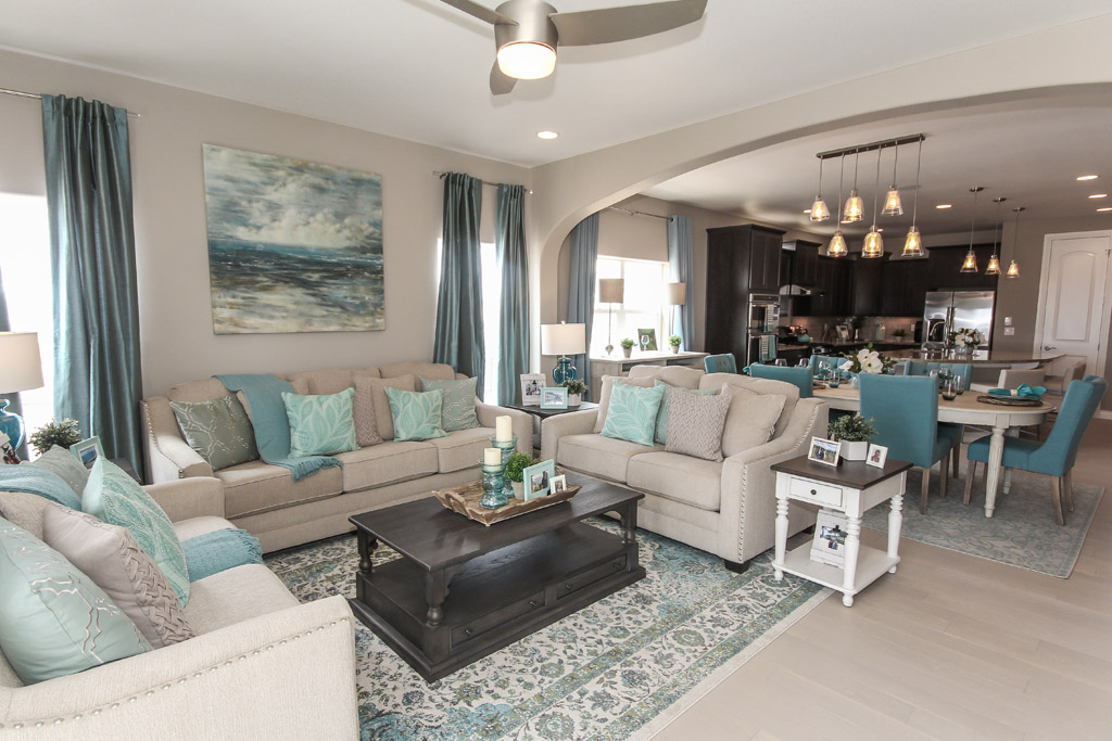 large family room house